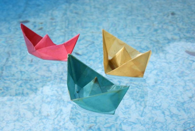 OrigamiBoats.floating3
