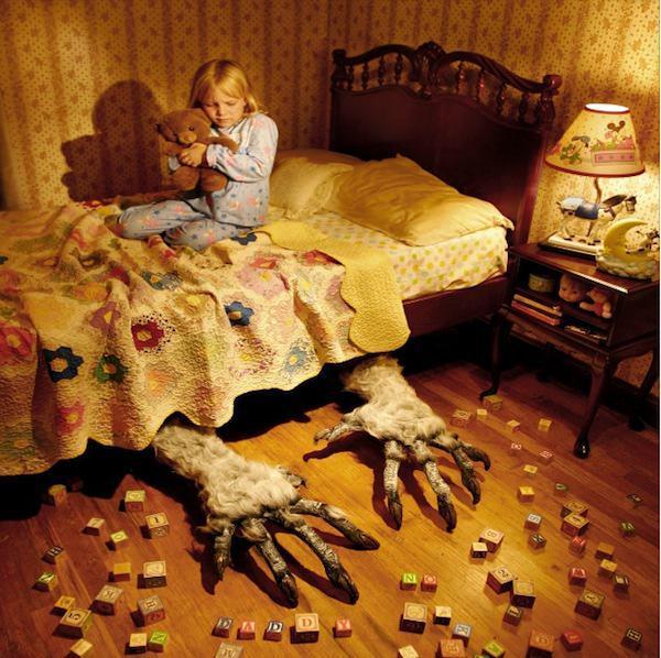 Os fantasmas, os monstros e os sonhos maus