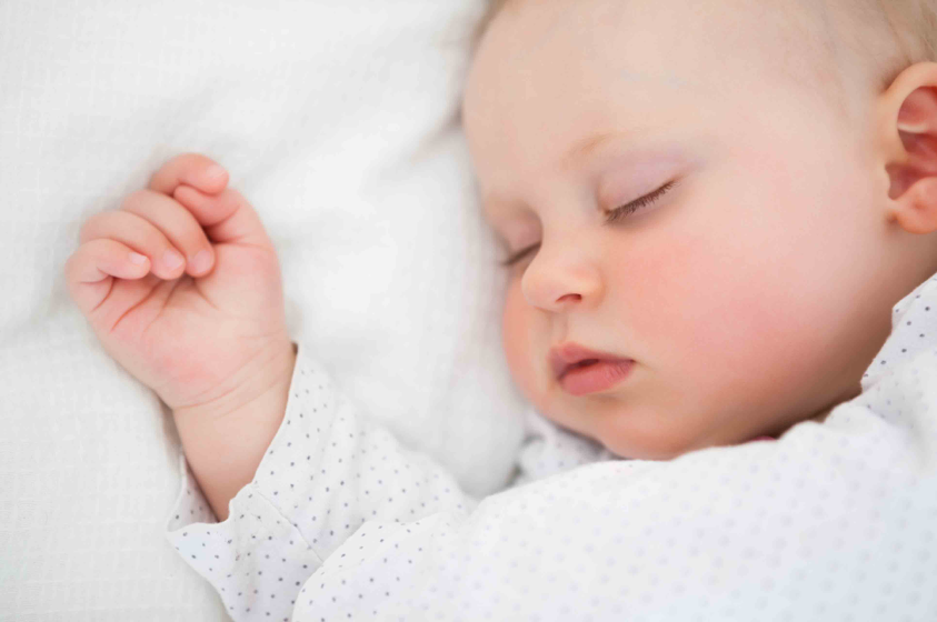 O sono do seu bebé: O equilíbrio entre o dia e a noite