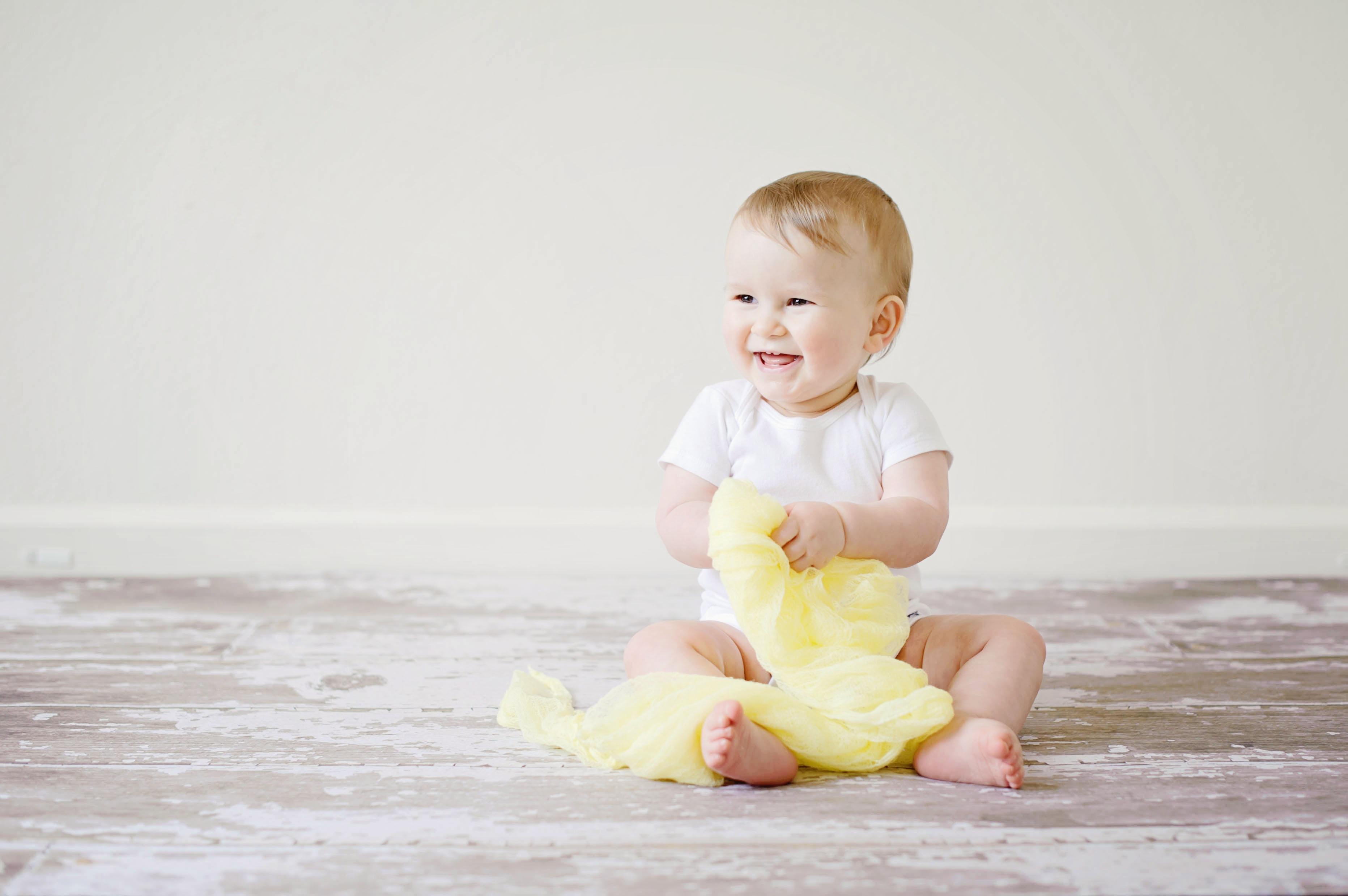 Como ajudar o recém nascido a distinguir o dia da noite?