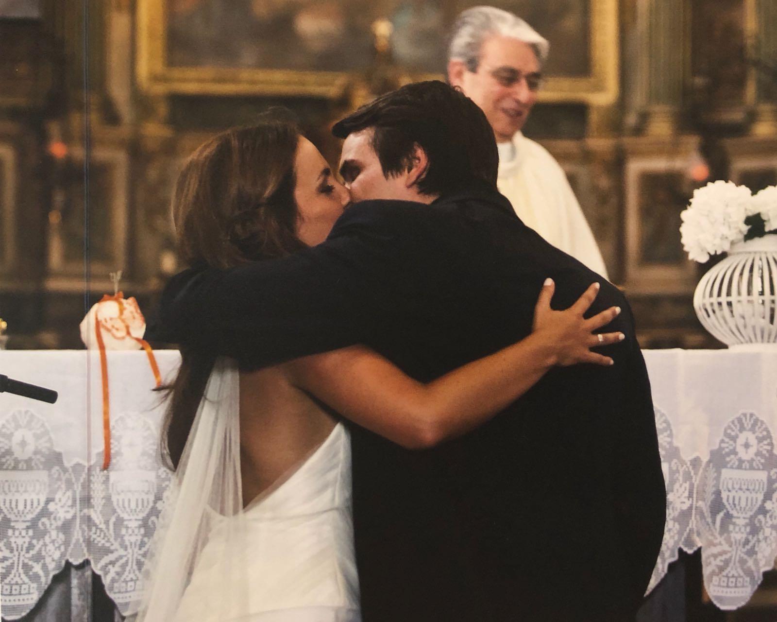 Hoje é um dia particularmente feliz! Eu e o João fazemos 9 anos de casados!