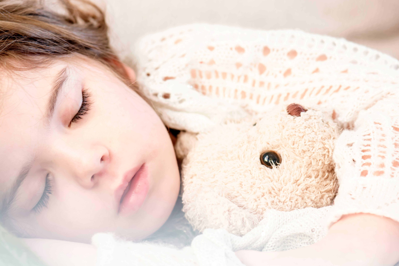 4 regras essenciais para o seu filho dormir bem